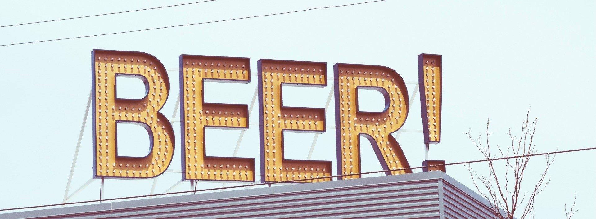 Neon-BIER-Zeichen - ein Trinkabend wird viele Synonyme für Betrunkensein brauchen!