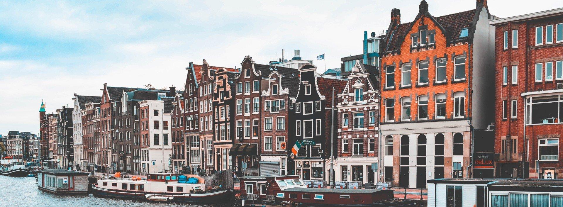 A row of dutch houses along a river : Dutch loan words